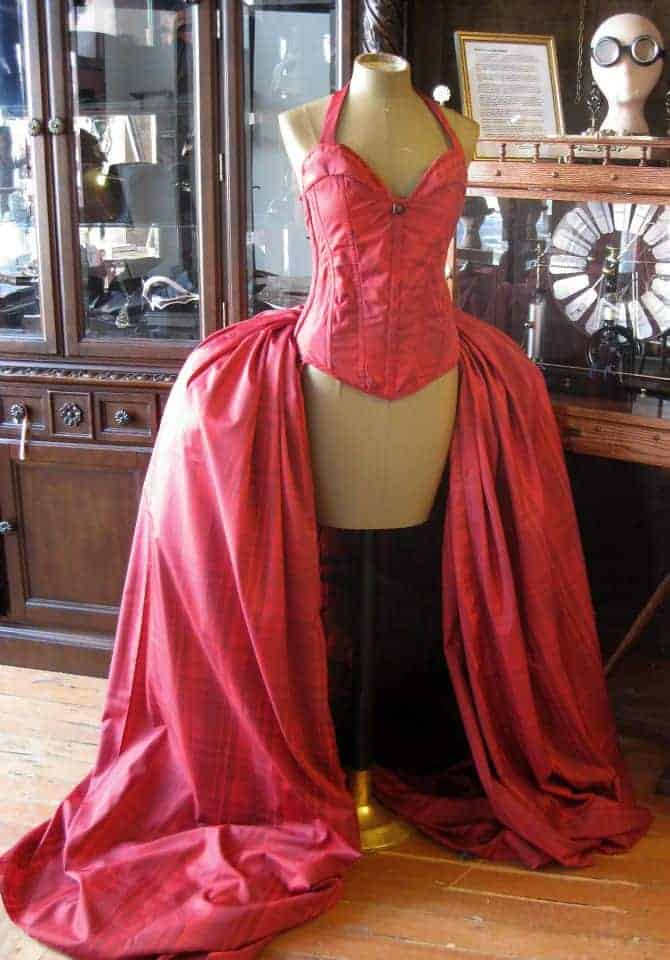 Read more about the article Custom Pageant Costumes