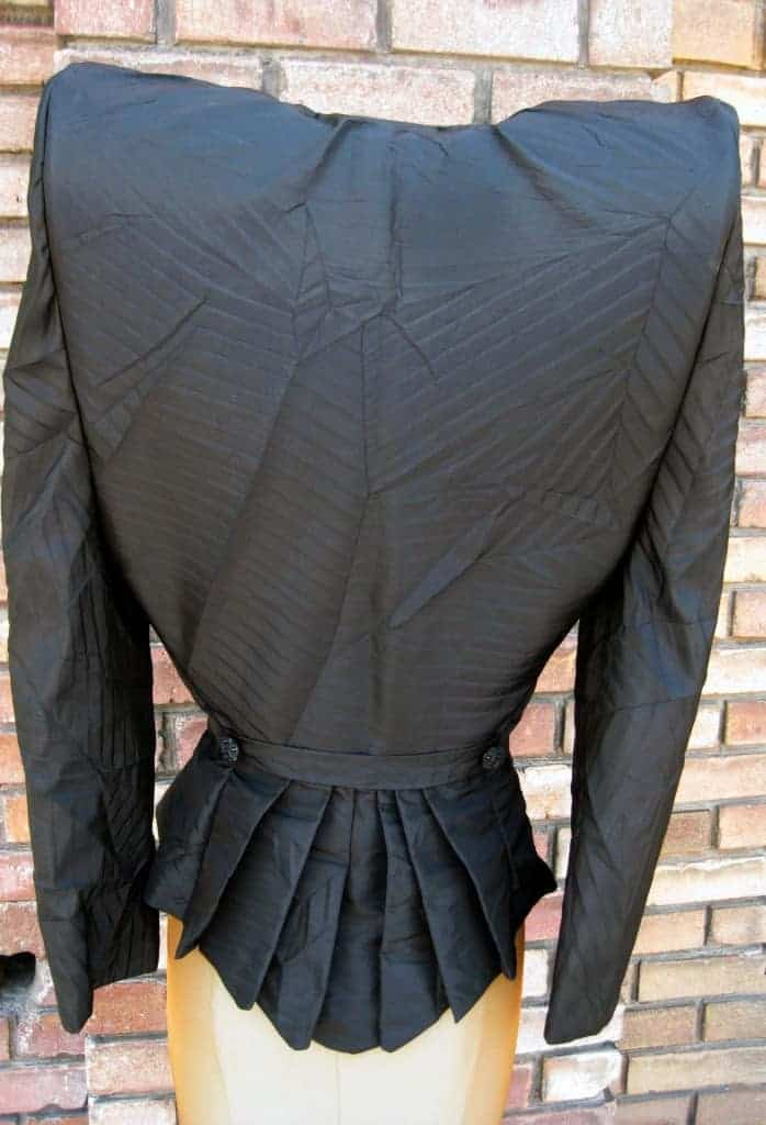 gaga_back_jacket