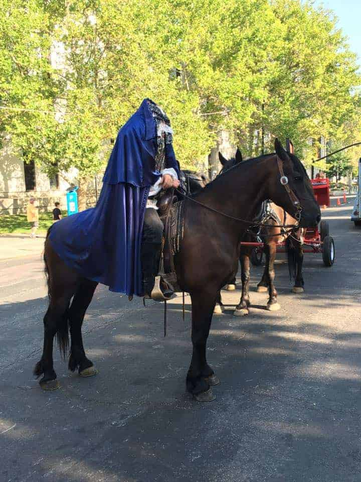 Sleepy_Hollow_headless_horseman_costume_mcgrews_Days_of_47_parade