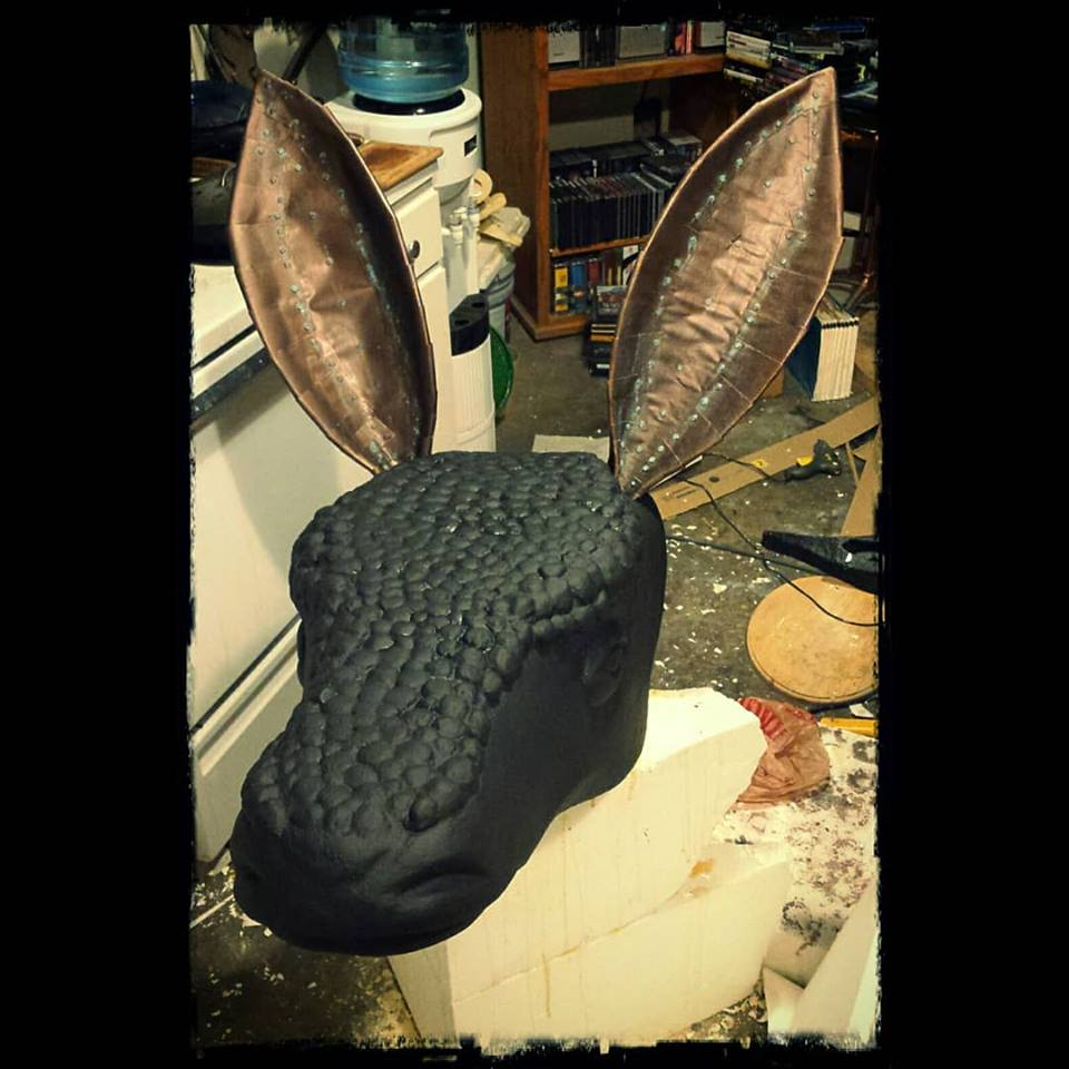 Custom armadillo prop build by Hraefn Wulfson of McGrew Studios.